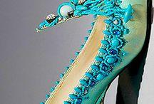 turquoise/ бирюзовый цвет / Бирюзовый цвет — оттенок голубого и зелёного цветов, различается от светло-зелёного с голубизной до голубого; близкий к циану. Характерный цвет минералов бирюзы (откуда название) и хризоколлы