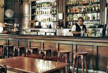 Bar Monserrate / El Monserrate es un popular bar que ocupa el espacio del lobby del antiguo Hotel Monserrate y que atrae a una mezcla de cubanos y extranjeros.  Recomendamos probar la bebida estrella del local, el cóctel Monserrate, una sabrosa mezcla de ron, zumo de pomelo, menta, azúcar y granadina. / by Paseos por La Habana