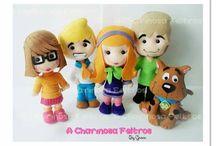 personagens em feltro