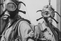 Get your gasmask and run! / Waiting the apocalypse to come!
