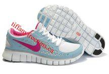 Nikes / by shaobing da