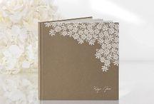 Esküvői vendégkönyv / esküvői vendégkönyvek, amibe a vendégek írnak kedves tanácsokat, idézeteket