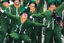 Irlanda Mistica / Simbolul Irlandei este trifoiul cu 3 foi (Shamrock). Sfantul Patrick a folosit un trifoi, adica un exemplu viu, pentru a explica oamenilor conceptul de Sfanta Treime – a Tatalui, al Fiului, si al Sfantului Duh.  Un trifoi cu patru foi a fost intotdeauna considerat un simbol de noroc in cultura irlandeza. Potrivit legendei, frunzele unui trifoi cu patru foi reprezinta speranta, credinta, dragoste, iar Dumnezeu a adaugat inca o frunza de noroc.   http://bit.ly/1jj4Ghe