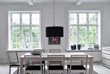 Univers scandinave / Découvrez des meubles scandinaves qui insuffleront le vent nordique dans votre déco intérieure.
