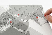 Une déco pour voyager / Voyager de chez vous avec ces accessoires de voyage déco ! Votre bureau est triste et gris ? Vous voulez l'égayer et le décorer à votre image ? Globes terrestres, cartes du monde, malles de voyage sont autant d'objets de décoration qui vous projetteront déjà dans votre prochain voyage !