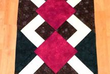 quilt runner black and red