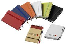 Block-Notes / Block Notes con o senza penna, in cartone , ecologici, di diversi colori