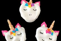Unicorn DIY Crafts and Decorations / Do you love unicorns too? A collection of Magical Unicorn Crafts and Decorations that are great for kids, teens, and adults too!