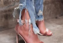 Shoes / Ayaklar ve ayakkabılar