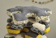 COUSSINS / CUSHIONS / by Anne-Sophie Millecamps Corbeau