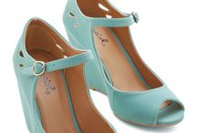 Just shoes ... / Je kan er nooit genoeg van hebben.