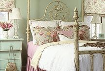 shabby chic bedroom ideas / by Mimi Panormios