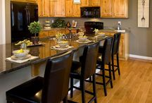 Kitchen Colors to Coordinate with Oak Cabinets