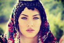 Folk costumes and vintage bijoux