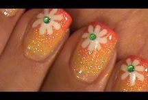 nails / by Maurisia Cruz