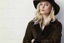 Mally&Co. /  jest polską marką specjalizującą się w szyciu wysokiej klasy kożuchów, skórzanych ubiorów i oryginalnych dodatków.
