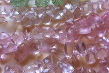 Gemstones / Palettes with stones