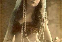 Gypsies / Vintage, costume, form, movement