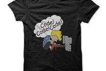 Camisetas Geek/Nerd / Camisetas geek e nerd criativas e com uma pitada de humor. Se você tem estilo e gosta de se vestir com personalidade e exclusividade, você esta no lugar certo. Nós temos camisetas diferentes, criativas e exclusivas para você vestir e se expressar.  Mas se você não encontrar a camiseta que procura, não se preocupe, nós temos uma ferramenta exclusiva para você criar a sua camiseta personalizada online de graça em nosso site.
