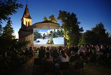 Cinéma de pleine air / Regardez un film au beau milieu de la nature