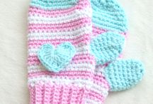 Crochet mittens & Gloves