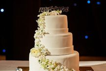 Cakes at Palace Resorts / No wedding would be complete without dessert! Let us make your sweet and sculptural wedding cake. Choose from a variety of flavors and tastes, topped with intricate icing details, cascading florals, or whatever else your heart desires!