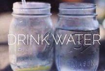 Water drinken.