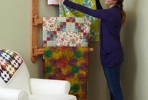 Quilt hangers and storage