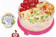 Signoraware Lunch Box Online / Magickart offering wide range branded Signoraware lunch boxes online for all school boys, girls, working womens & mens online with free shipping in India.