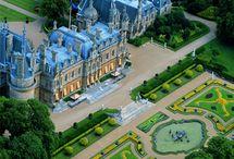 Palace , garden , residence