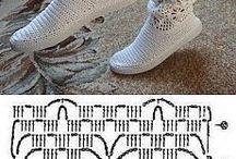 Вязанные носочки и  обувь(тапочки,сапожки