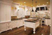 kitchens / by Melissa Bretz