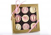 Chocolate Covered Oreos / Chocolate Covered Oreo Gifts sent direct to your desk or door. #oreos #chocolatecoveredoreos #oreogifts