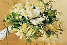 Centerpieces & Tablescape Ideas for Feasts and Fetes / A mixture of our fav Petal Atelier designs and images that inspire! Wedding centric but with ideas for everything from friendsgiving to baby showers.  centerpieces, table decor, wedding centerpieces, wedding table decor, floral centerpieces, table garland, wedding table setting, wedding table decorations, DIY centerpieces, wedding table ideas
