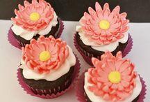 Cake Decorating Ideas / by Julia Selinda