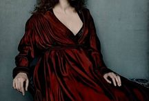 Preraphaelite stunners / the muses of the preraphaelite brotherhood painters, recreated in fashion, and cosplay pics nowadays