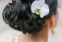 Different ways to incorporate fresh flowers in your Romantic Hair Style