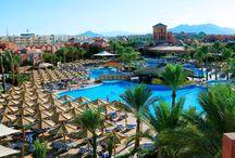 فندق شرم كلوب شرم الشيخ, بمصر / يطل الفندق على Tower Bay في شرم الشيخ، ويتميز بإطلالات و يبعُد 15 دقيقة بالسيارة عن وسط مدينة شرم الشيخ.