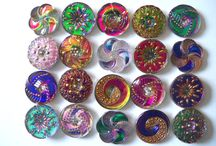 Buttons nejem polymer.