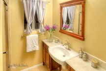 Bathroom Design 42 / A traditional country style cottage bathroom with a furniture style vanity.