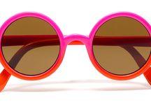 Gafas de sol para niños / Conoce nuestro amplio catálogo de gafas de sol. Las mejores marcas: RayBan, Carrera, Tommy Hilfiger, Arnette, Diesel, Armani, Vogue, Marc by Marc Jacobs... y muchas más. ¡Entra en Ópticas +Visión! #GafasDeSol