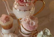 cakes / by renata spanidis