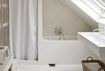 Tetőtéri fürdőszoba / .