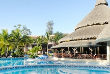Holiday Resorts / Hotel resorts in th Caribbean, Hawaii, Mediterranean and other holiday hotspots.