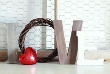 Decorating With Signs/Letters / by Ellen Niz