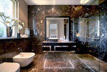 Espelho para banheiros / Toda pessoa vaidosa sabe que um espelho decente é fundamental no banheiro, certo? Seja no lavabo ou banheiro de visitas, suíte, ou banheiro comum. Se você procura inspiração para transformar o seu banheiro quase que em um camarim, ou simplesmente ideias para deixar o seu banheiro pequeno parecendo maior, acompanhe a homify.