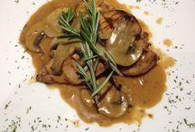 Dishes / Pollo alla griglia  con salsa funghi porcini