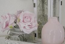Brocante rozen. / Ben gek op roosjes !! Heb ze dan ook door heel mijn huis.....