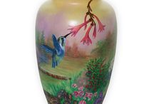 Custom Painted Urns / Hand painted urns provide a powerful way to honor your loved one. They allow your family to create an art piece that captures and expresses the unique personality of your loved one, while honoring the time and budgetary constraints that so many families must endure today.