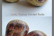 Stenen met uiltjes erop